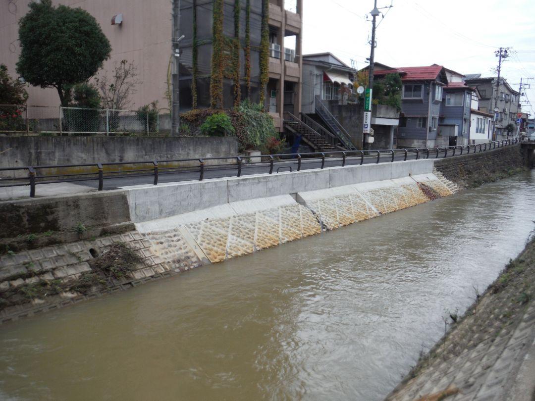 一級河川儀明川護岸修繕工事 完成後写真
